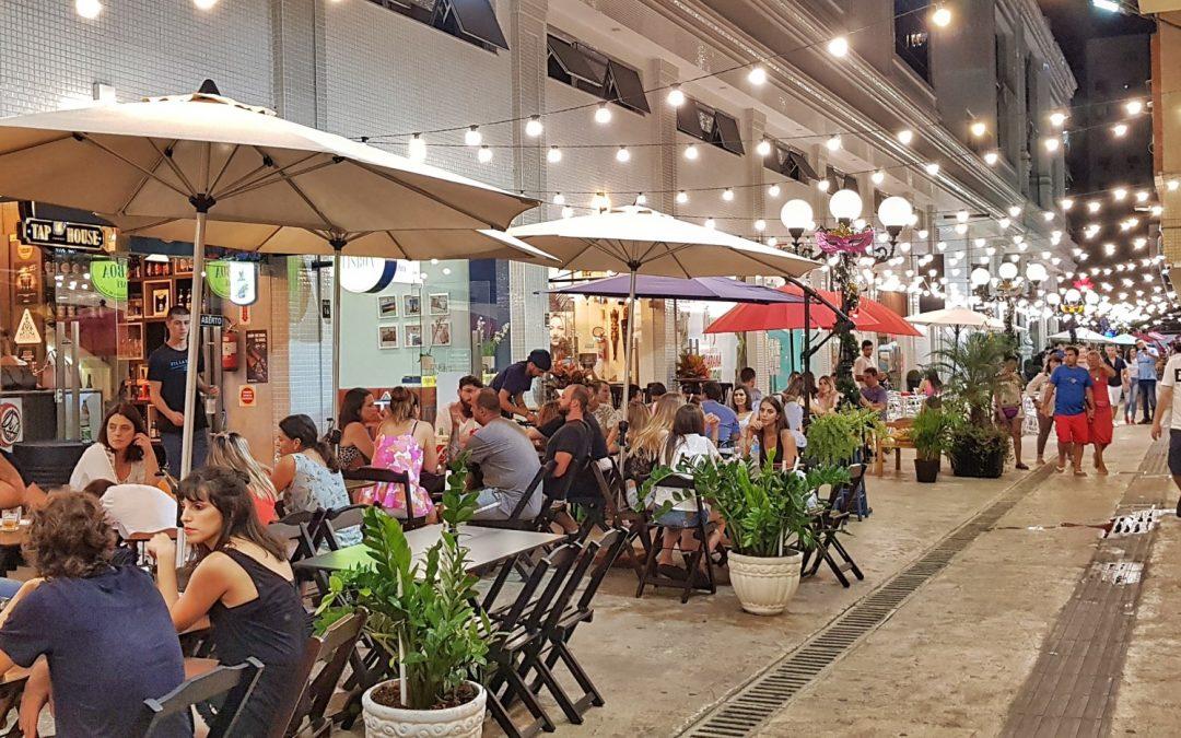Alameda Gumz: lugar reúne o melhor de Balneário Camboriú